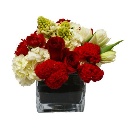 Sincere Kisses Flower Arrangement