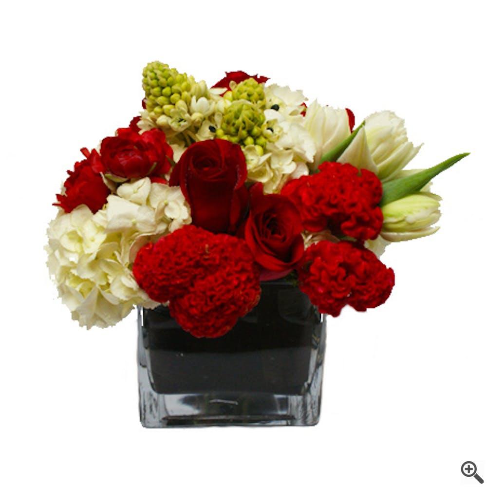 Sincere Kisses Flower Arrangement