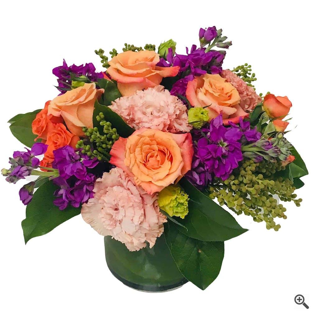 """Compassione di Rosa"" Flower Arrangement"