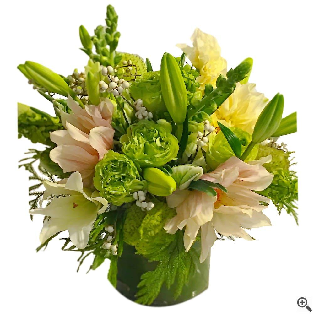 Verdi Romantico Flower Arrangement
