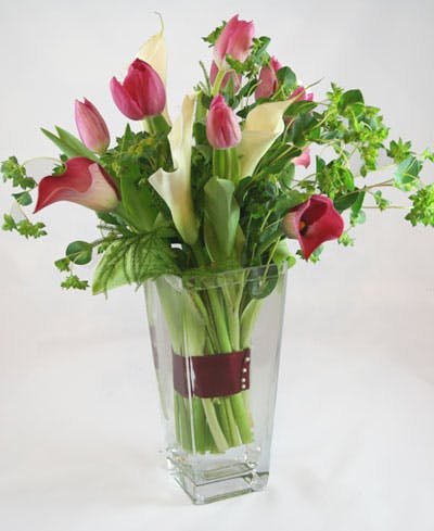 Perle Dentellare Flower Arrangement