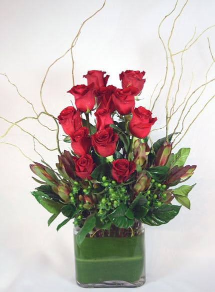 Fiori di Perugia Dozen Rose Flower Arrangement