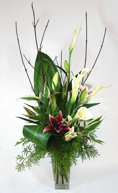 """Giglio Alto"" Flower Arrangement"