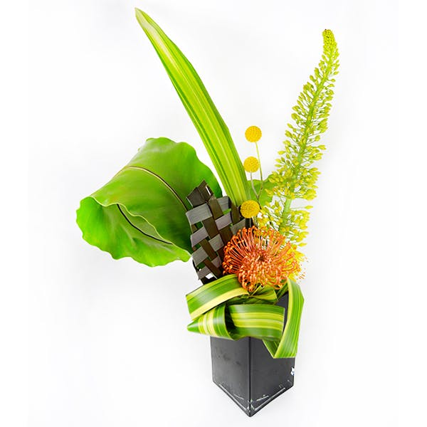 Racing Leaf Flower Arrangement